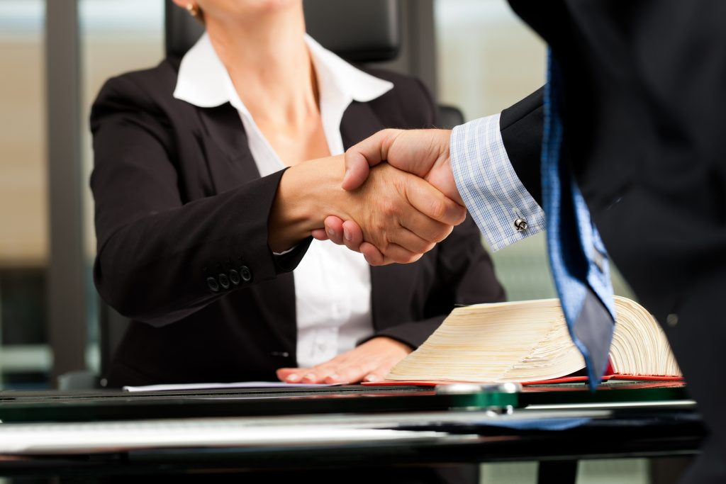 La Mejor Firma Legal de Abogados en Español de Acuerdos en Casos de Compensación Laboral, Mayor Compensación de Pago Adelantado en Culver City California